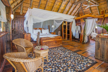 Karongwe river lodge luxury suite